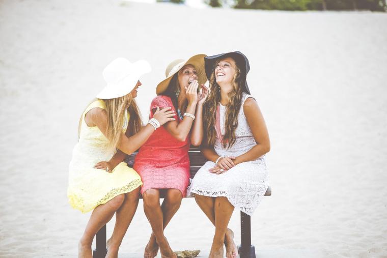 modesty-gossip-1